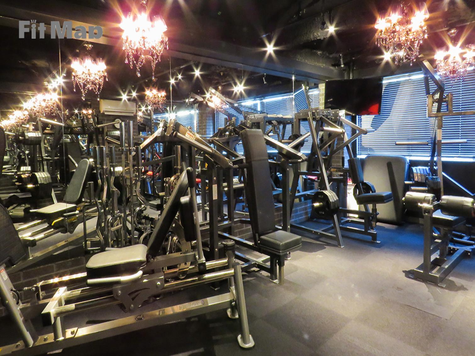 パーソナルトレーニングジムKen新宿店の施設画像